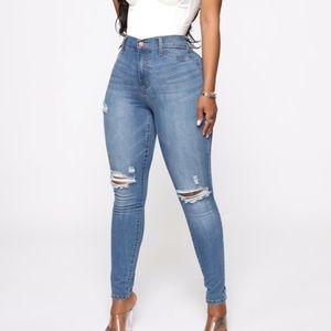 Fashion Nova BRAND NEW high rise skinny jeans